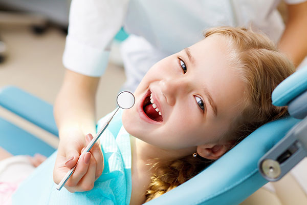 A Kid Friendly Dentist Answers FAQs About Baby Teeth